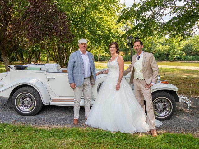 Le mariage de Bertrand et Audrey à Pierrefitte-sur-Sauldre, Loir-et-Cher 73