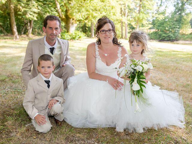 Le mariage de Bertrand et Audrey à Pierrefitte-sur-Sauldre, Loir-et-Cher 75