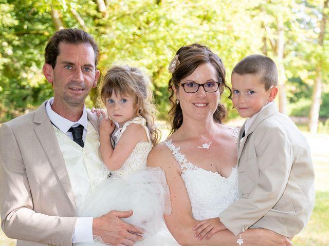 Le mariage de Bertrand et Audrey à Pierrefitte-sur-Sauldre, Loir-et-Cher 76