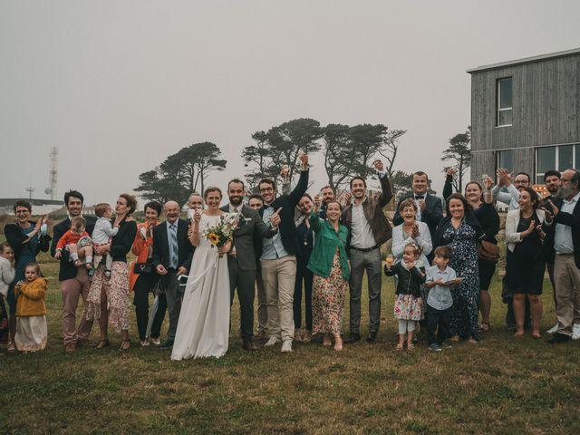 Le mariage de Alexis et Violette à Plouarzel, Finistère 81