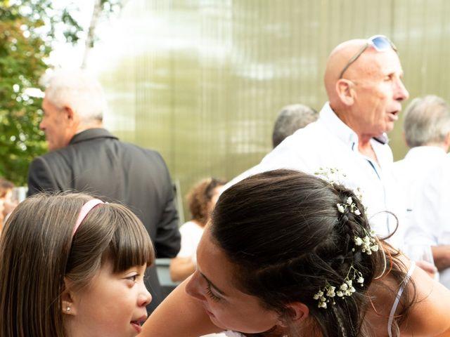 Le mariage de Vanessa et Laura à Lyon, Rhône 33