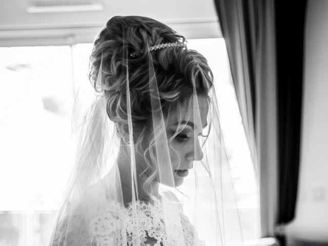 Le mariage de Romain et Coralie à Pont-Évêque, Isère 10