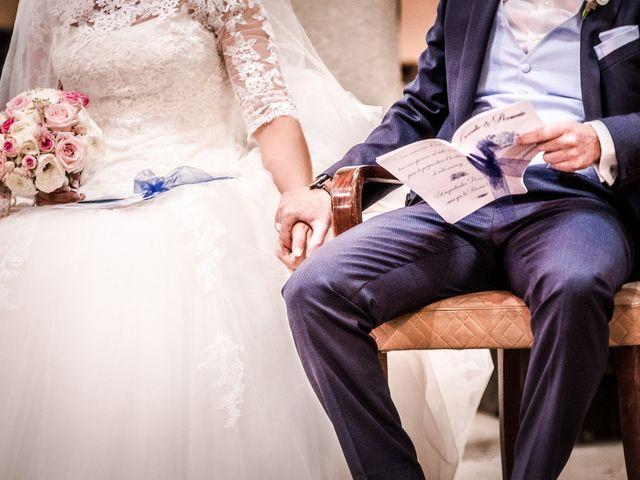 Le mariage de Romain et Coralie à Pont-Évêque, Isère 15