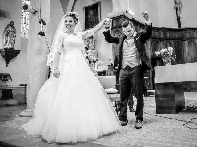 Le mariage de Romain et Coralie à Pont-Évêque, Isère 16