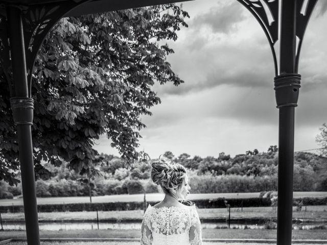 Le mariage de Romain et Coralie à Pont-Évêque, Isère 34
