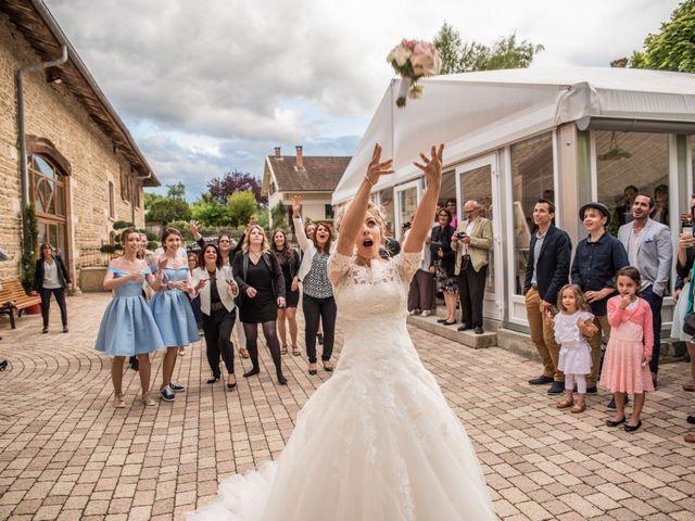 Le mariage de Romain et Coralie à Pont-Évêque, Isère 38