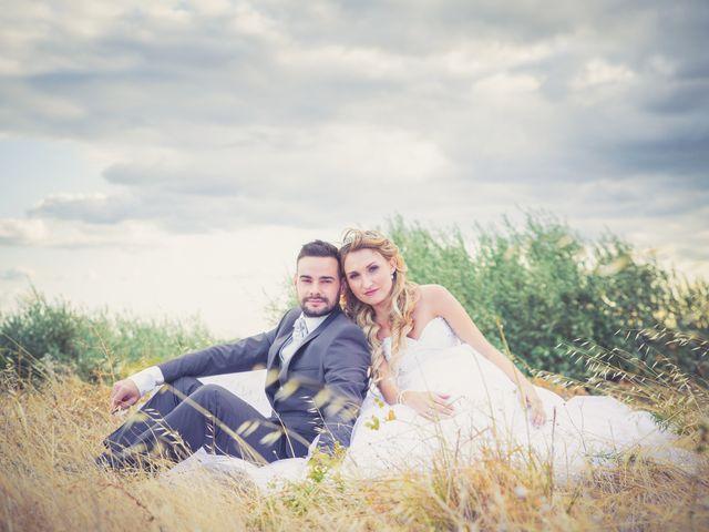 Le mariage de Loïc et Alexina à Fabrègues, Hérault 60