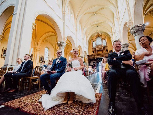 Le mariage de Damien et Isabelle à Roncq, Nord 19