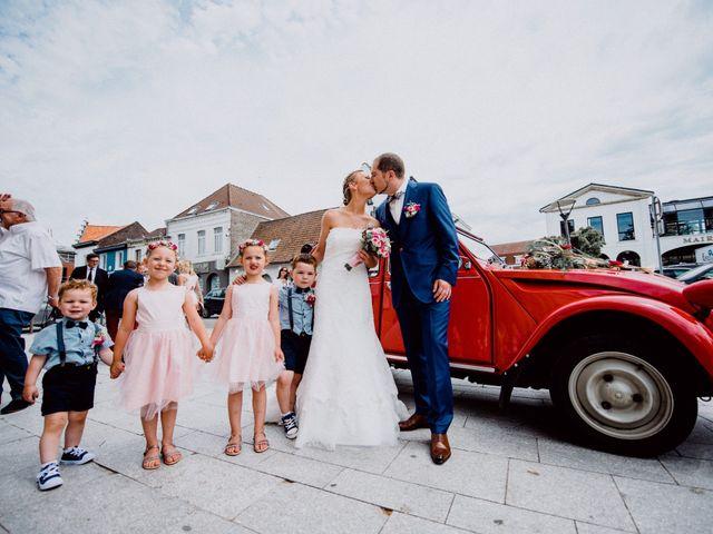 Le mariage de Damien et Isabelle à Roncq, Nord 22