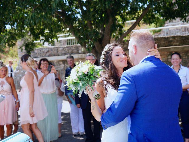 Le mariage de Thibaut et Magali à Le Garn, Gard 19