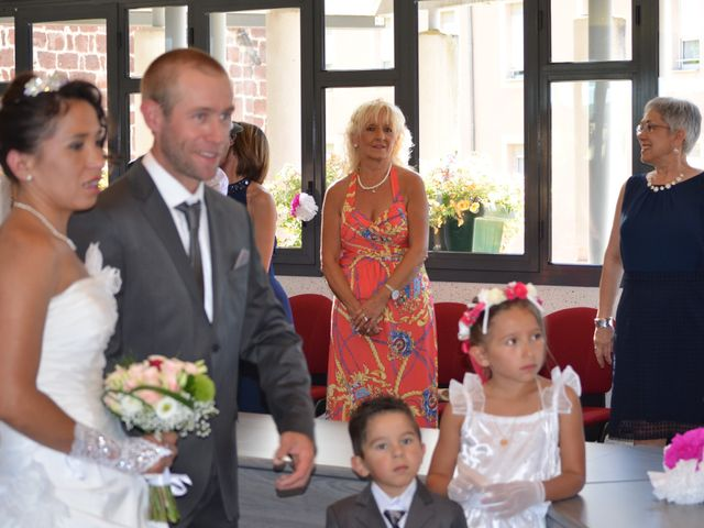 Le mariage de alex et leya à Saint-Laurent-d'Olt, Aveyron 2