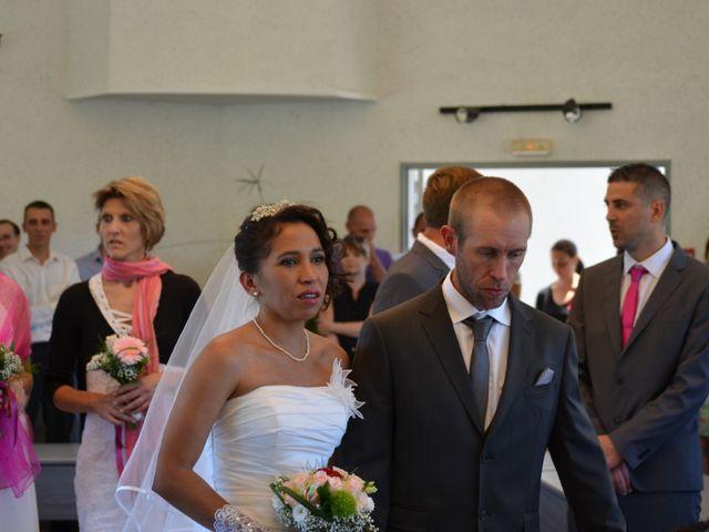 Le mariage de alex et leya à Saint-Laurent-d'Olt, Aveyron 6
