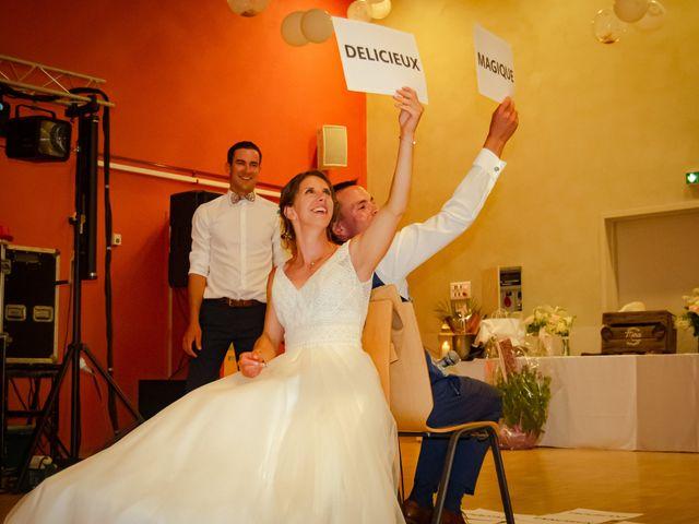 Le mariage de Maxime et Emma à Domfront-en-Champagne, Sarthe 30