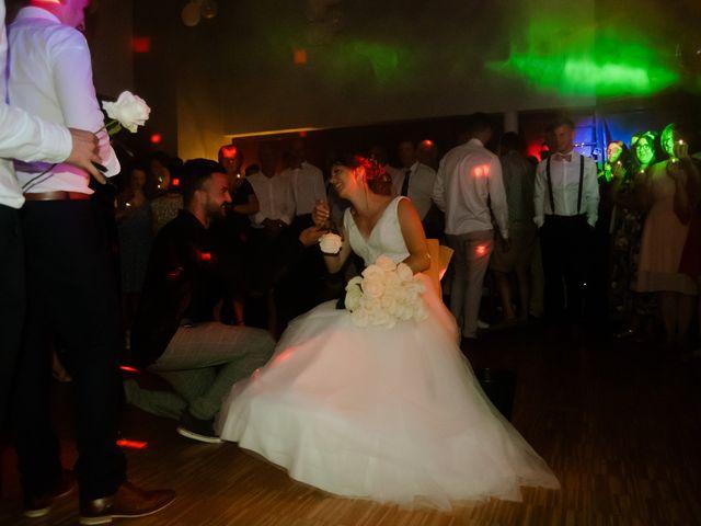 Le mariage de Maxime et Emma à Domfront-en-Champagne, Sarthe 34