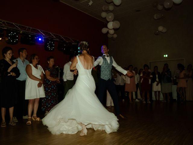 Le mariage de Maxime et Emma à Domfront-en-Champagne, Sarthe 35