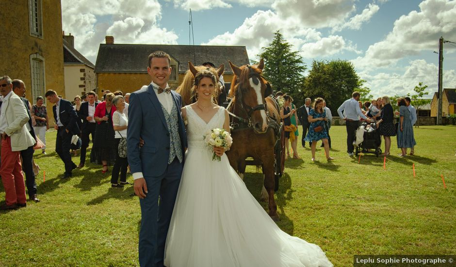 Le mariage de Maxime et Emma à Domfront-en-Champagne, Sarthe