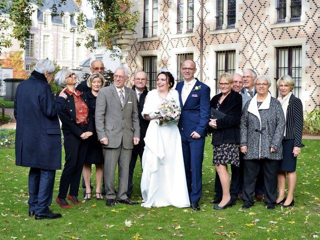 Le mariage de Christopher et Agathe à Orléans, Loiret 4