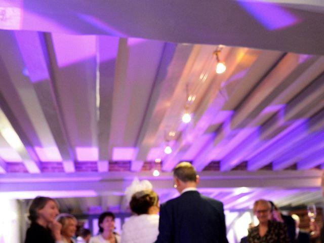 Le mariage de Christopher et Agathe à Orléans, Loiret 13