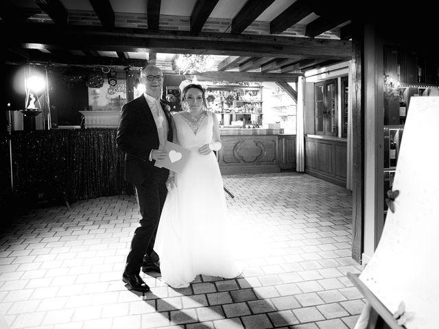 Le mariage de Christopher et Agathe à Orléans, Loiret 16