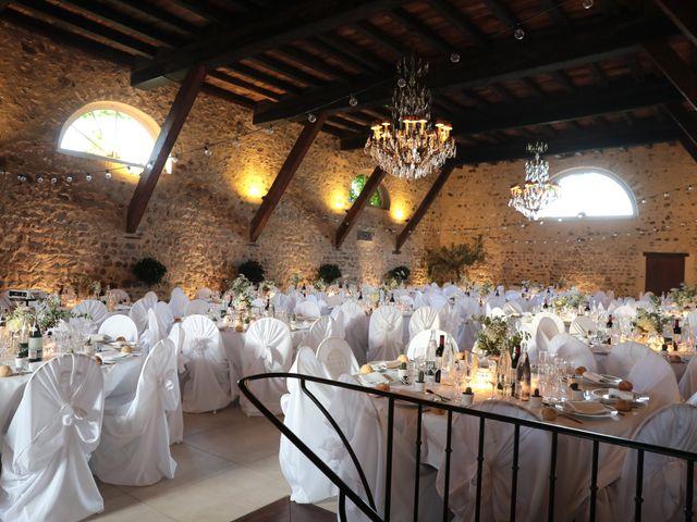Le mariage de Benoit et Mathilde à Villié-Morgon, Rhône 33