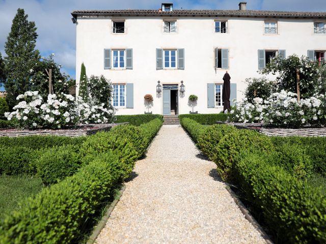 Le mariage de Benoit et Mathilde à Villié-Morgon, Rhône 3
