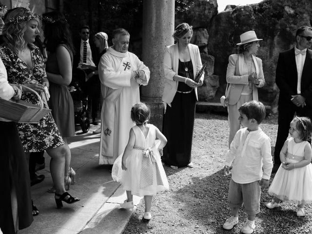 Le mariage de Benoit et Mathilde à Villié-Morgon, Rhône 17