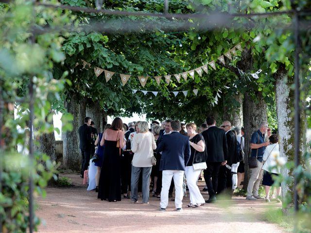 Le mariage de Benoit et Mathilde à Villié-Morgon, Rhône 28