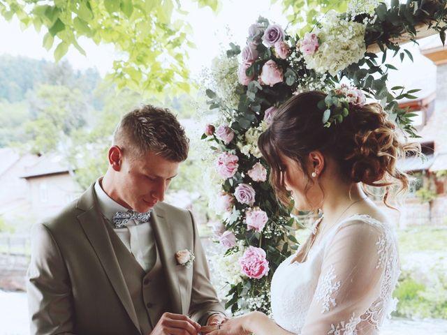 Le mariage de Romain et Noémie à Wisches, Bas Rhin 24