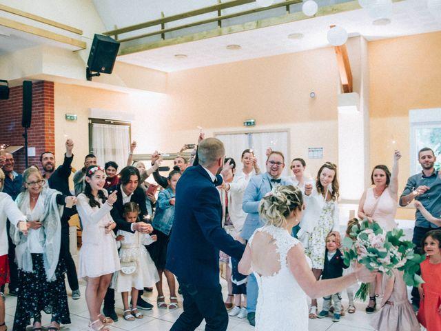 Le mariage de Christophe et Jessica à Marigny-le-Châtel, Aube 63