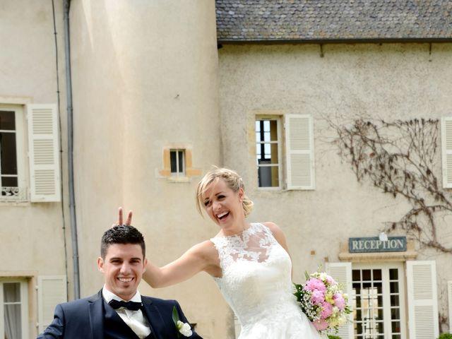 Le mariage de Cyril et Nadège à Saint-Étienne-la-Varenne, Rhône 23