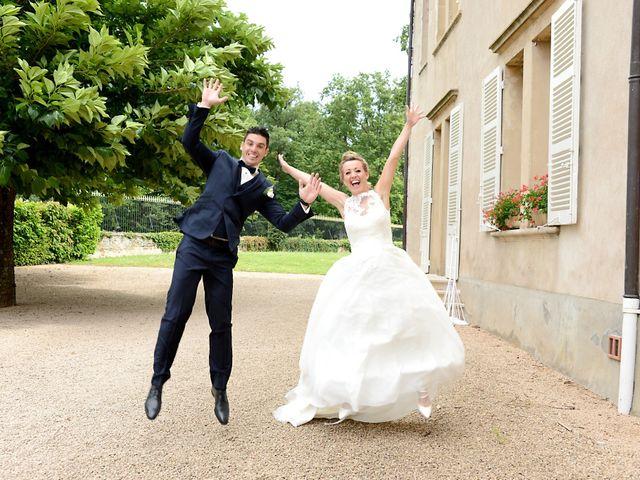 Le mariage de Cyril et Nadège à Saint-Étienne-la-Varenne, Rhône 26