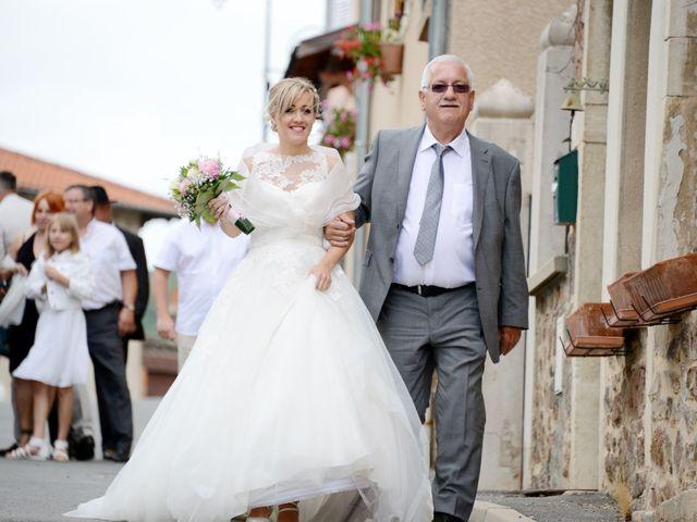 Le mariage de Cyril et Nadège à Saint-Étienne-la-Varenne, Rhône 2
