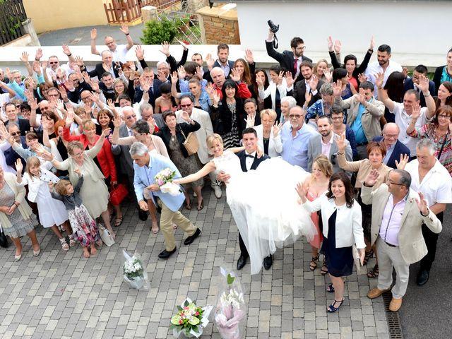 Le mariage de Cyril et Nadège à Saint-Étienne-la-Varenne, Rhône 33