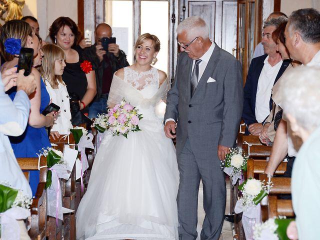 Le mariage de Cyril et Nadège à Saint-Étienne-la-Varenne, Rhône 35
