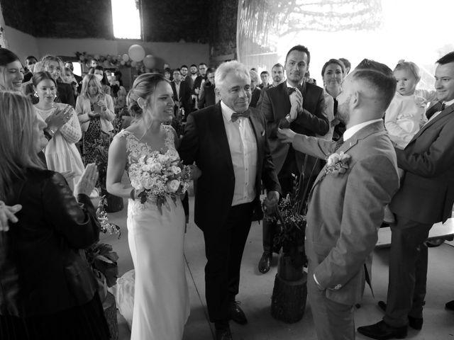 Le mariage de Mattias et Fanélie à Cordelle, Loire 16