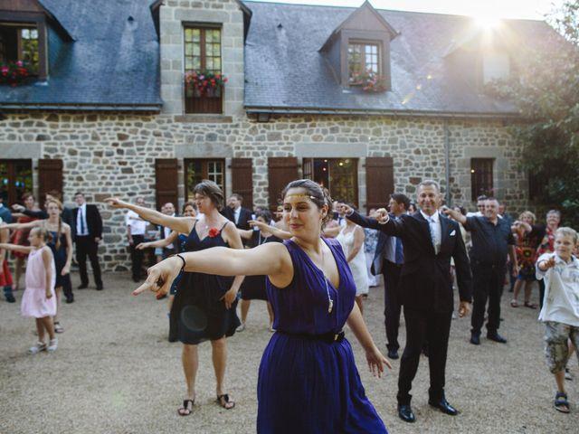 Le mariage de Olivier et Julie à Cossé-le-Vivien, Mayenne 57
