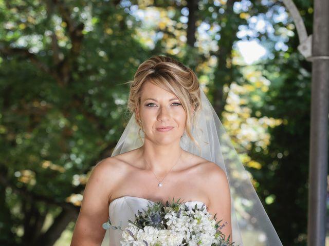 Le mariage de Julien et Emilie à Fareins, Ain 12