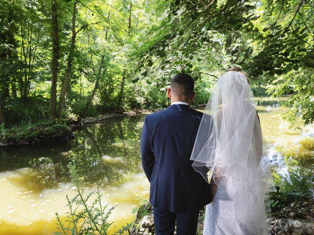 Le mariage de Julien et Emilie à Fareins, Ain 17