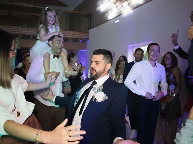 Le mariage de Julien et Emilie à Fareins, Ain 44