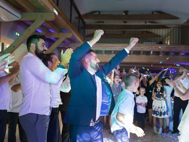 Le mariage de Julien et Emilie à Fareins, Ain 49