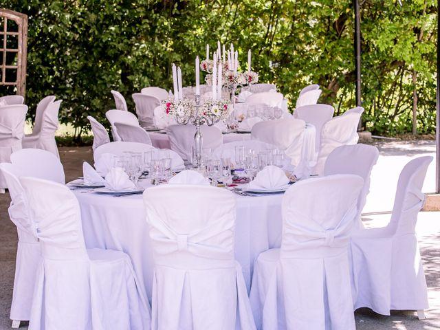 Le mariage de Jean Daniel et Magali à Grans, Bouches-du-Rhône 22