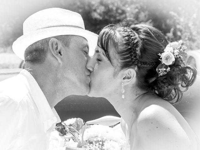 Le mariage de Jean Daniel et Magali à Grans, Bouches-du-Rhône 13