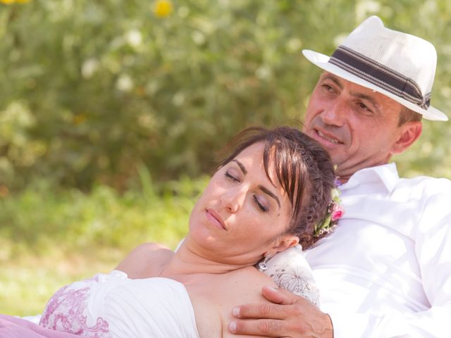Le mariage de Jean Daniel et Magali à Grans, Bouches-du-Rhône 40