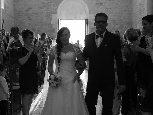 Le mariage de Jérémy et Aurélie à Brioux-sur-Boutonne, Deux-Sèvres 18