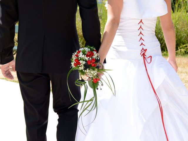 Le mariage de Xavier et Dorine à Saint-Étienne-des-Oullières, Rhône 13
