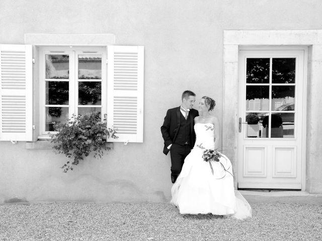 Le mariage de Xavier et Dorine à Saint-Étienne-des-Oullières, Rhône 16