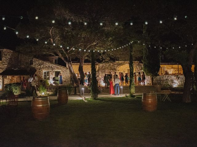 Le mariage de Gautier et Caroline à Rochefort-du-Gard, Gard 78