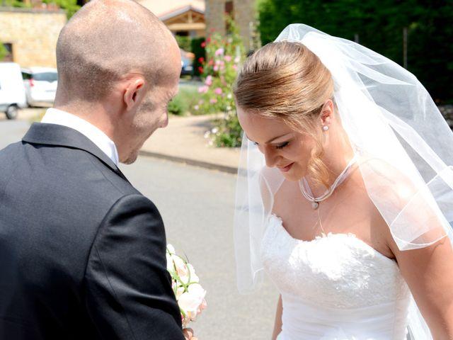 Le mariage de Julien et Gaëlle à Chazay-d'Azergues, Rhône 4