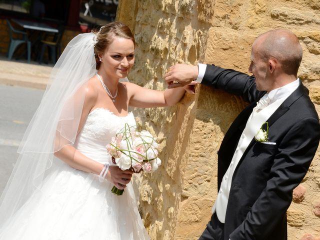 Le mariage de Julien et Gaëlle à Chazay-d'Azergues, Rhône 12