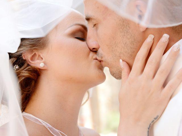 Le mariage de Julien et Gaëlle à Chazay-d'Azergues, Rhône 18